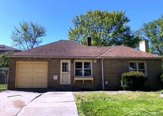 Foreclosed Home in Saginaw 48602 COURT ST - Property ID: 4490382879