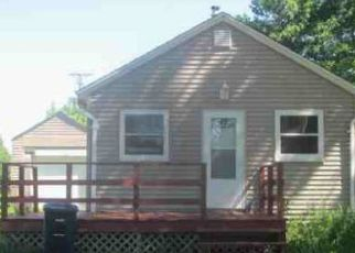 Foreclosed Home in Lake Park 51347 AVENUE B E - Property ID: 4490552813