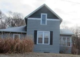 Foreclosed Home in Sioux City 51106 VINE AVE - Property ID: 4490557624