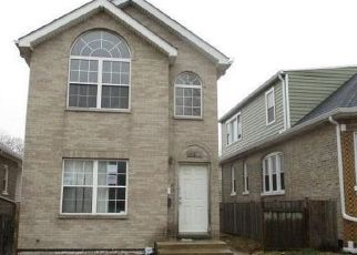 Foreclosed Home in Cicero 60804 S 57TH AVE - Property ID: 4490574711