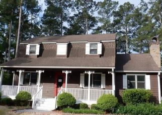 Foreclosed Home in Hope Mills 28348 CYPRESS LAKES RD - Property ID: 4490706986