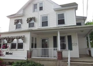 Foreclosed Home in Williamstown 08094 W GARWOOD AVE - Property ID: 4490738500