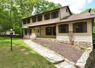 Foreclosed Home in New Fairfield 06812 WINDWARD DR - Property ID: 4490814265