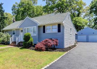 Foreclosed Home in West Islip 11795 JACKSON AVE - Property ID: 4490820405