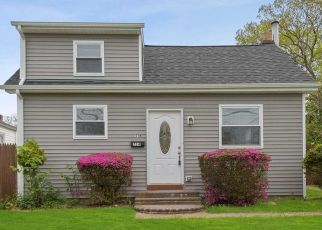 Foreclosed Home in West Babylon 11704 WINDMILL AVE - Property ID: 4490833549