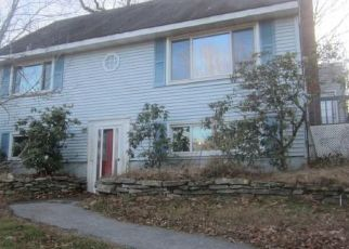 Foreclosed Home in Amston 06231 HILLCREST DR - Property ID: 4490837936