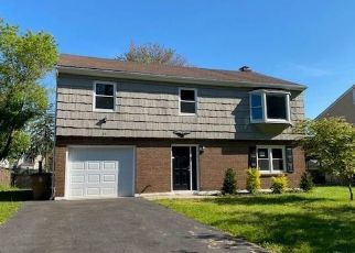Foreclosed Home in Stamford 06902 LANELL DR - Property ID: 4490872974