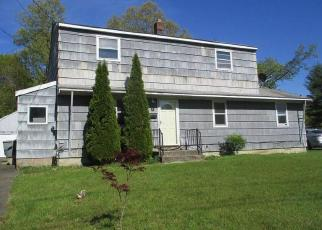 Foreclosed Home in Enfield 06082 WOOD DR - Property ID: 4490878213