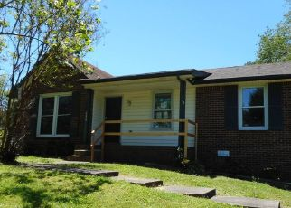Foreclosed Home in Clarksville 37042 RAINTREE DR - Property ID: 4490906693