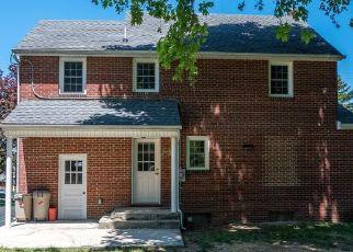 Foreclosed Home in Waynesboro 17268 N GRANT ST - Property ID: 4490951805