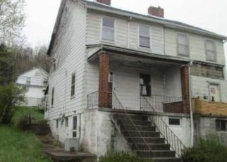 Foreclosed Home in Morgan 15064 WABASH AVE - Property ID: 4490961435