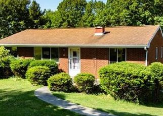 Foreclosed Home in Pittsburgh 15239 MAPLE RD - Property ID: 4491026250