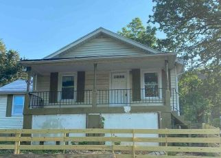 Foreclosed Home in Capitol Heights 20743 URN ST - Property ID: 4491067424