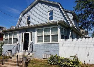 Foreclosed Home in Hamden 06514 WARREN ST - Property ID: 4491069163