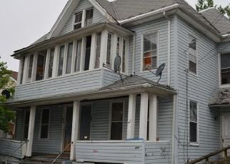 Foreclosed Home in Bridgeport 06604 GREGORY ST - Property ID: 4491082312