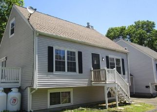 Foreclosed Home in New Haven 06513 MILTON ST - Property ID: 4491091961