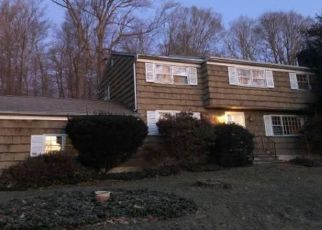 Foreclosed Home in Stamford 06903 COUSINS RD - Property ID: 4491099843