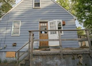 Foreclosed Home in New Britain 06053 FORTRESS ST - Property ID: 4491104656