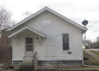 Foreclosed Home in Davenport 52803 E 11TH ST - Property ID: 4491234737