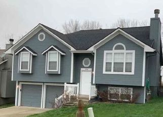 Foreclosed Home in Liberty 64068 BLUE BIRD LN - Property ID: 4491276332