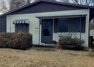 Foreclosed Home in Parkersburg 26104 BROAD ST - Property ID: 4491311821