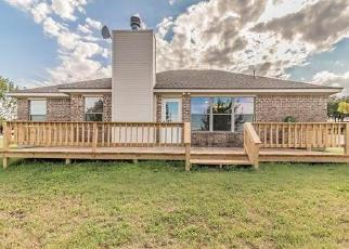 Foreclosed Home in Springtown 76082 ARBOR TRL - Property ID: 4491784836