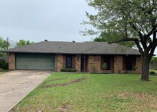 Foreclosed Home in Red Oak 75154 PRAIRIE CREEK RD - Property ID: 4491842640