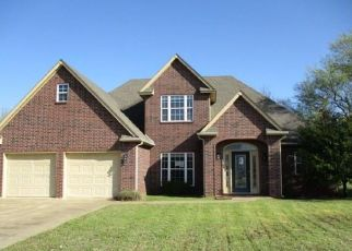 Foreclosed Home in Fort Gibson 74434 OAKMONT DR - Property ID: 4491843964