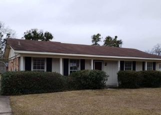 Foreclosed Home in Mobile 36619 CLARENDON DR - Property ID: 4492205722