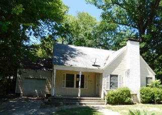Foreclosed Home in Longview 75602 E MYRLE AVE - Property ID: 4492256974