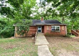Foreclosed Home in Kingsport 37664 CENTRAL ST - Property ID: 4492299892
