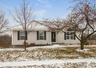 Foreclosed Home in Kearney 64060 E 14TH ST - Property ID: 4492398422