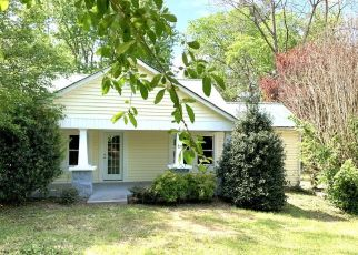 Foreclosed Home in Bon Aqua 37025 OLD HIGHWAY 46 - Property ID: 4492513614