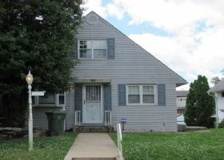 Foreclosed Home in Parkville 21234 CHESLEY AVE - Property ID: 4492537257