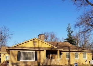 Foreclosed Home in Peoria 61604 N SHERIDAN RD - Property ID: 4492575813