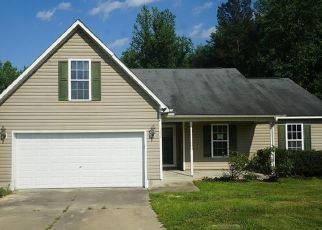 Foreclosed Home in Raeford 28376 COPPER CREEK DR - Property ID: 4492599453