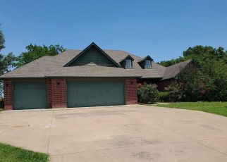 Foreclosed Home in Claremore 74019 DUCK POND DR - Property ID: 4492629680