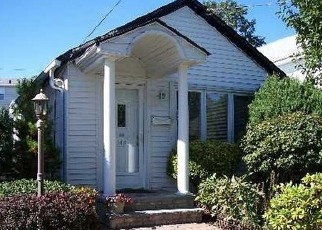 Foreclosed Home in Floral Park 11001 BARWICK ST - Property ID: 4492651576