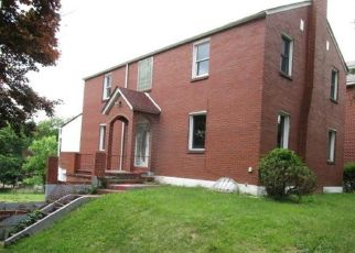 Foreclosed Home in Verona 15147 MOUNT CARMEL RD - Property ID: 4492841211