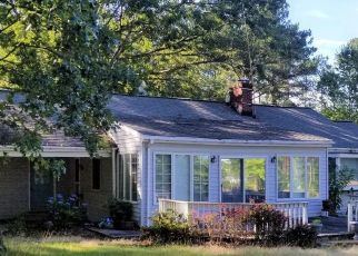Foreclosed Home in Kinsale 22488 WASHINGTON CIR - Property ID: 4492885449
