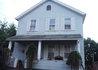 Foreclosed Home in New Britain 06051 CONNERTON ST - Property ID: 4492903406