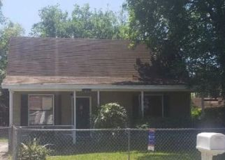 Foreclosed Home in Jacksonville 32205 BUXTON ST - Property ID: 4492912609