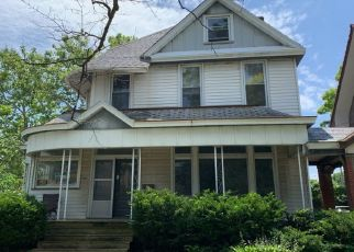 Foreclosed Home in Peoria 61606 W COLUMBIA TER - Property ID: 4492967801