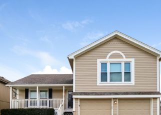Foreclosed Home in Kansas City 64118 NW 61ST CT - Property ID: 4493160499