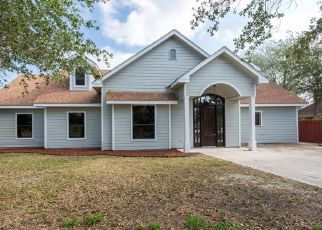 Foreclosed Home in Weslaco 78596 SANTA ANNA ST - Property ID: 4493179779