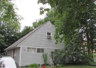Foreclosed Home in Levittown 11756 JUPITER LN - Property ID: 4493208681
