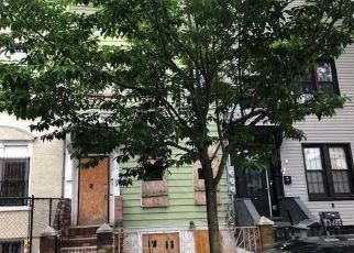 Foreclosed Home in Brooklyn 11208 ESSEX ST - Property ID: 4493216561