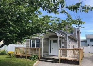 Foreclosed Home in Lindenhurst 11757 E NEPTUNE AVE - Property ID: 4493217886