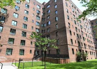 Foreclosed Home in Bronx 10462 METROPOLITAN AVE - Property ID: 4493218307