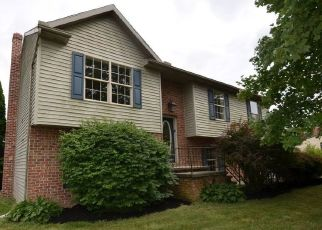 Foreclosed Home in Spring Grove 17362 THOMAN DR - Property ID: 4493235842